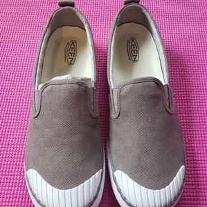 Keen Elsa Slip On Shoes (NWT)
